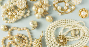 5 Steps to Shipping Antique Jewelry & Accessories Internationally