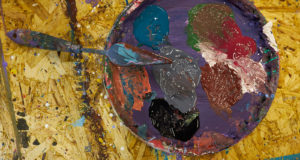 Oil vs. Acrylic Paint: Spotting the Difference Between the Two