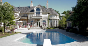 Top 5 Must-Know Tips for Buying a Luxury Home